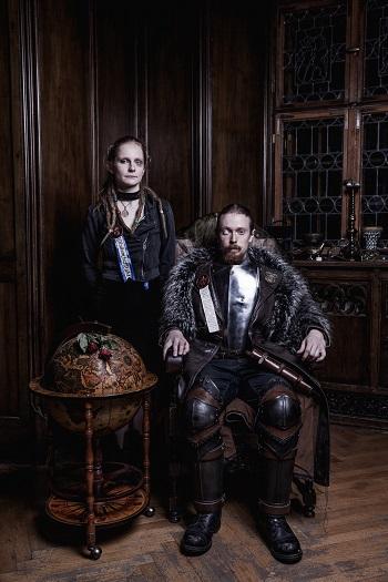 Prefektka koleje Faust Bekka a Profesor démonologie Malinowski